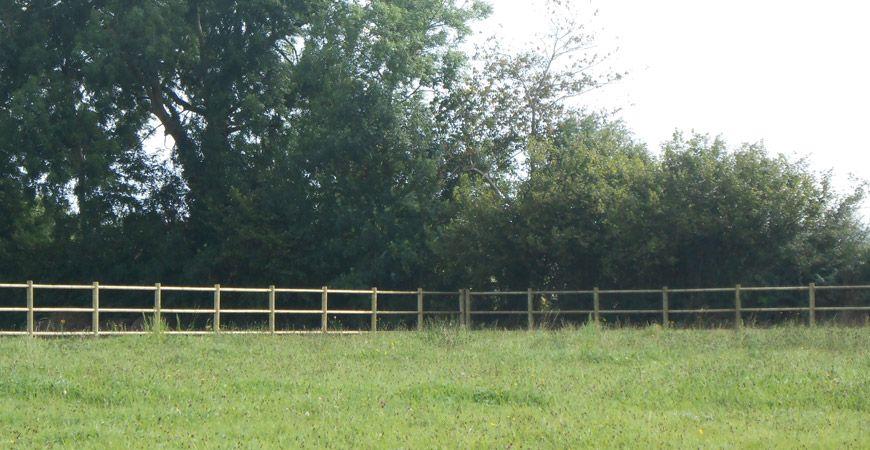 Clôture bois livrée-posée dans la Manche