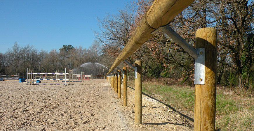 Une lice déportée pour la carrière des bois à l'École Nationale d'Équitation