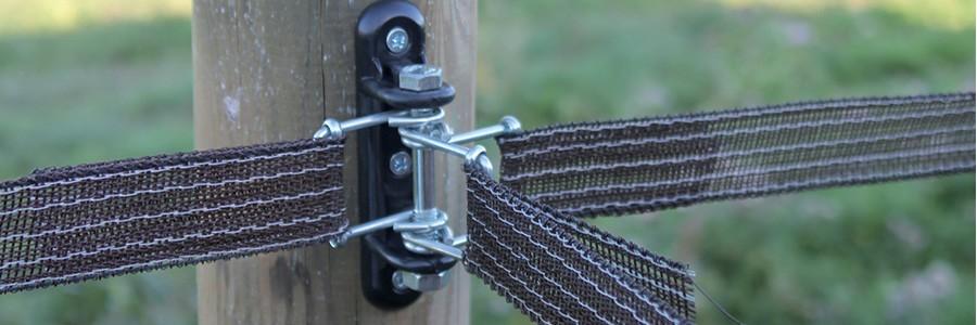 cloture electrique chevaux kit de cloture pour chevaux pas cher horse stop. Black Bedroom Furniture Sets. Home Design Ideas